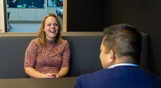 Koffie on the job – Linda Konijnenberg (facilitair contract coördinator)